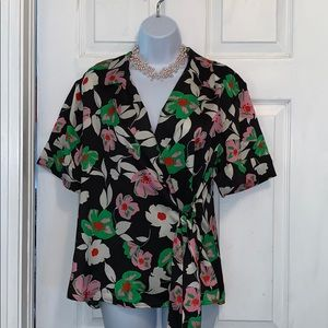Who What Wear Black/Cream/Pink/Green Floral Blouse